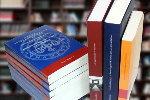 Arrangement von Büchern