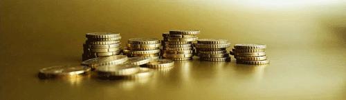Arrangement aus Münzen