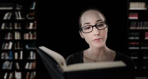 Zufriedene Leserin